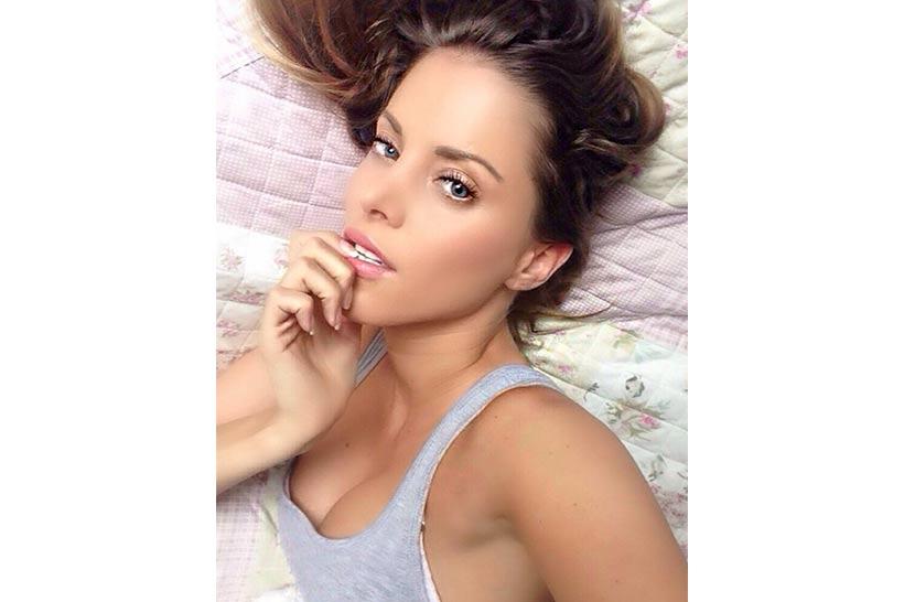 Model: Daniela Göymen