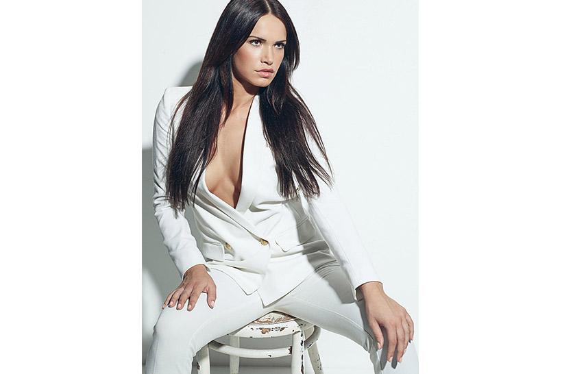 Model: Noelle Mondoloni